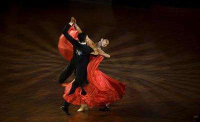 舞蹈能让每个女孩都能拥有高雅的气质
