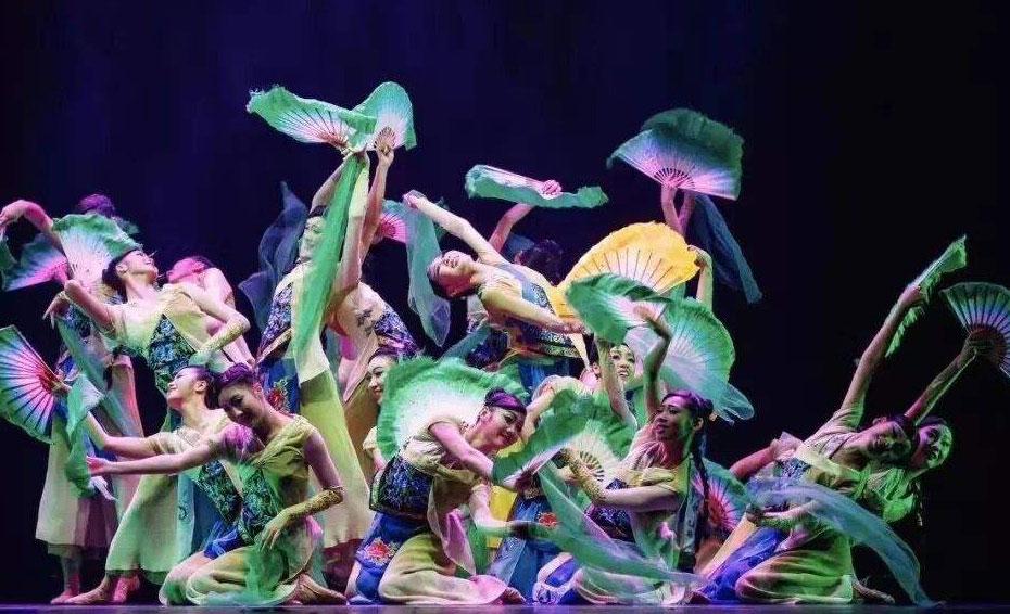舞蹈培训教师解说学习舞蹈应该从哪几个方面下手?
